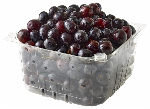 Black Seedless Grapes Perspective: left