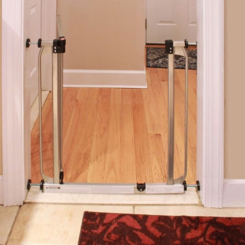 Dreambaby L894S Dawson 28 to 32 Inch Auto-Close Stay Open Security Gate, Silver Perspective: left
