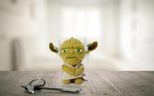"Star Wars Mini 4"" Talking Plush Toy Clip On - Yoda Perspective: left"