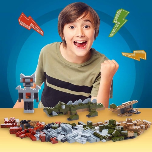 Mega Construx Open-Ended Play Brick Box for Pro Builders 8+ (480 Pieces) Perspective: left