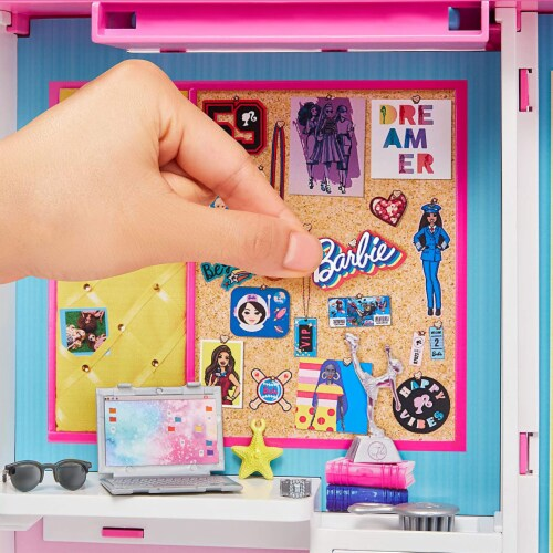 Barbie Dream Closet Fashion Wardrobe Storage with Clothes and Accessories, Pink Perspective: left