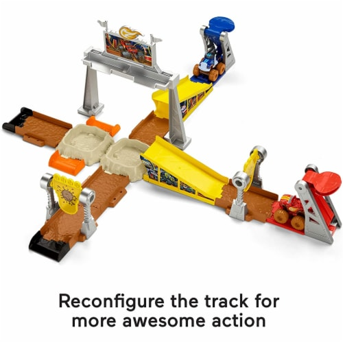 Fisher-Price Nickelodeon Blaze & the Monster Machines, Mud Pit Race Track Perspective: left