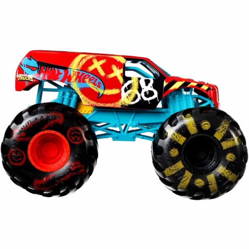 Mattel Hot Wheels® Monster Trucks Demo Derby Vehicle Perspective: left