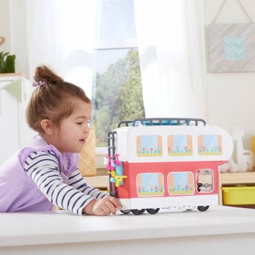 Peppa's Family Motorhome Playset Perspective: left