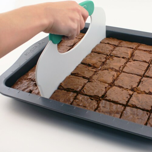 BergHOFF Perfect Slice Cookie Sheet with Slicer Perspective: left