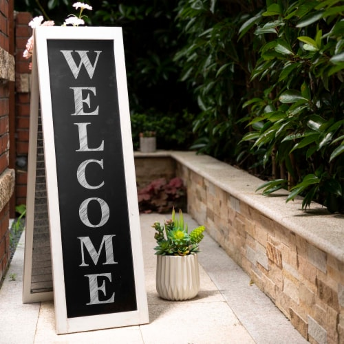 Glitzhome Wooden and Metal Welcome Porch Sign Perspective: left