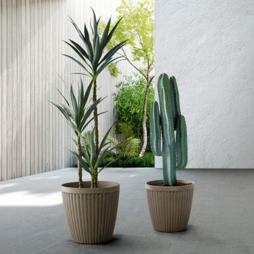 Glitzhome Oversized Faux Concrete Round Plastic Fluted Pot Planter Perspective: left