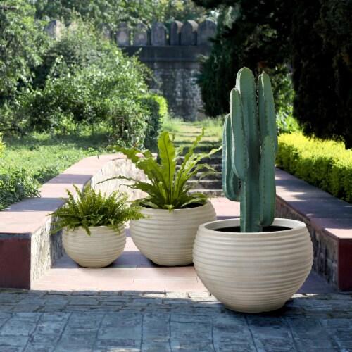 Glitzhome Fauz Porcelain Round Fluted Planters Perspective: left