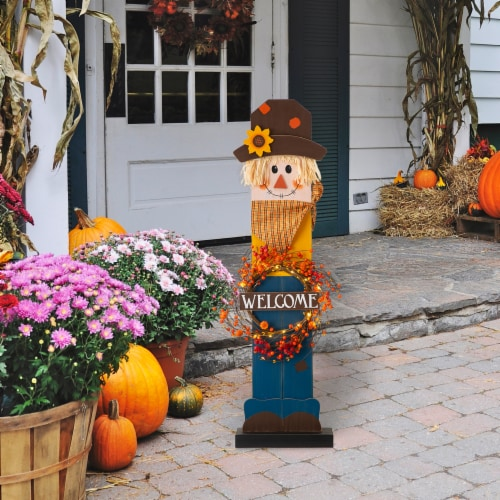 Glitzhome Fall Lighted Wooden Scarecrow with Wreath Porch Decor Perspective: left