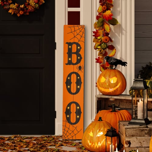 Glitzhome Lighted Wooden BOO Porch Sign Perspective: left