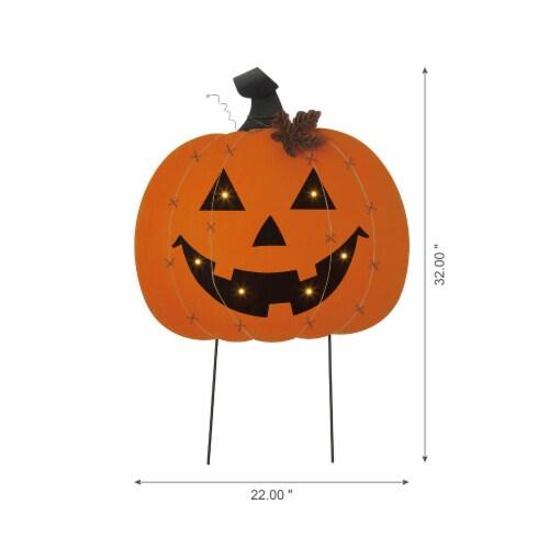 Glitzhome Halloween Wooden & Metal Pumpkin Yard Stake Decor Perspective: left