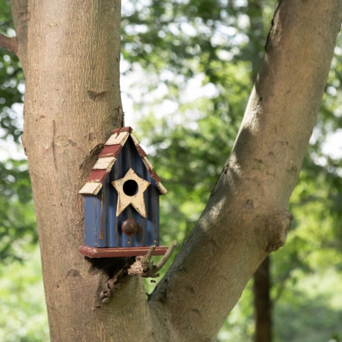 Glitzhome Wooden and Metal Rustic Patriotic Style Outdoor Garden Birdhouse Perspective: left