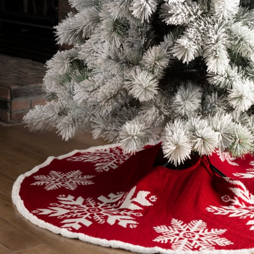 Glitzhome Knitted Acrylic Snowflake Christmas Tree Skirt Perspective: left