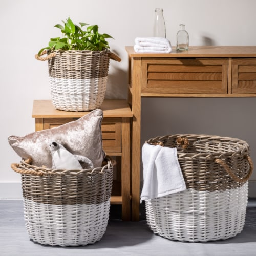 Glitzhome Round Willow Baskets with Rope Handles - Natural/White Perspective: left