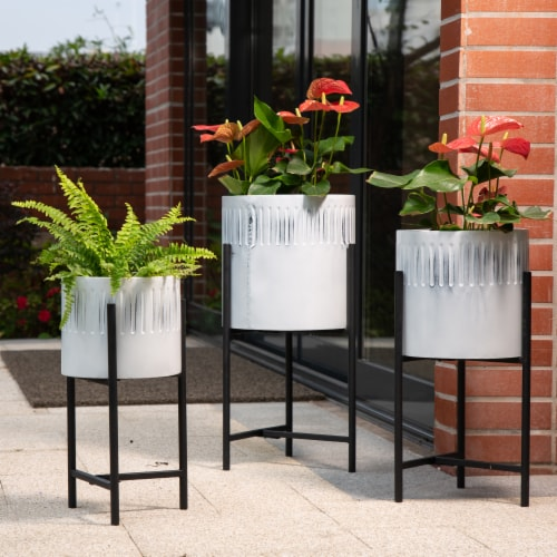 Glitzhome Washed White Metal Round Plant Stands Perspective: left