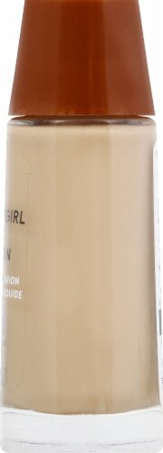CoverGirl Clean Normal Skin 125 Buff Beige Foundation Perspective: right
