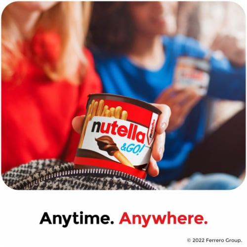 Nutella & Go Hazelnut Spread & Pretzel Sticks Perspective: right