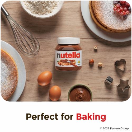 Nutella Hazelnut Spread with Cocoa Perspective: right