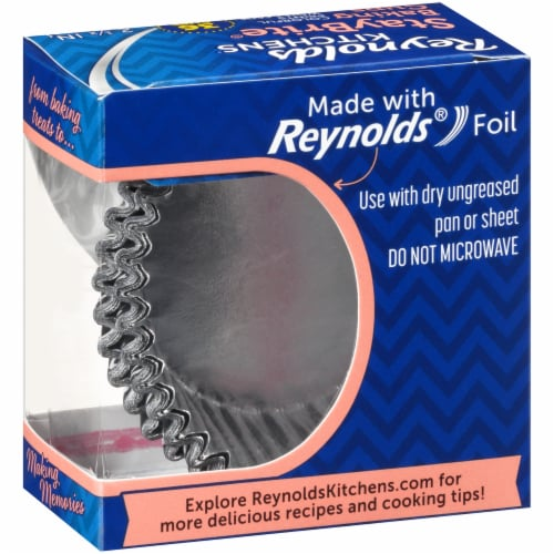 Reynolds StayBrite Baking Cups Perspective: right