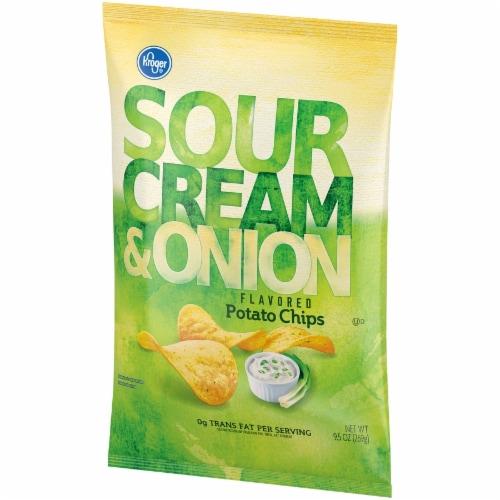 Kroger® Sour Cream & Onion Flavored Potato Chips Perspective: right