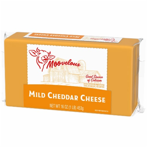 Moovelous Mild Cheddar Cheese Bar Perspective: right
