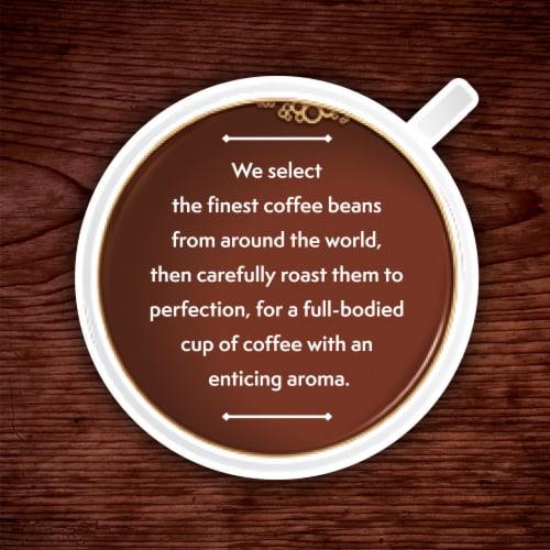 Kroger® Medium Dark Roast Colombian Coffee K-Cup Pods Perspective: right