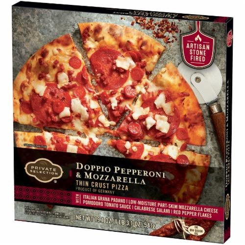 Private Selection® Doppio Pepperoni & Mozzarella Thin Crust Pizza Perspective: right