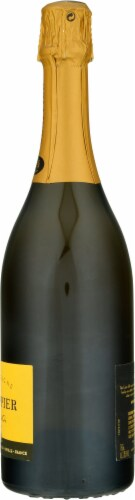 Drappier Carte d'Or Brut Champagne Perspective: right