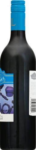 Lindeman's Bin 40 Merlot Red Wine Perspective: right