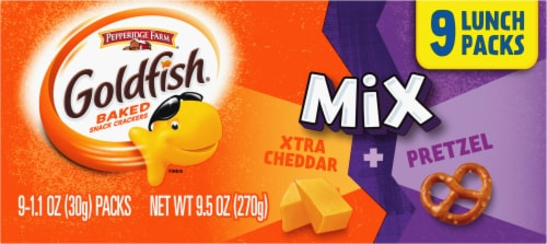 Goldfish Mix Xtra Cheddar + Pretzel Baked Snack Crackers Lunch Packs Perspective: right