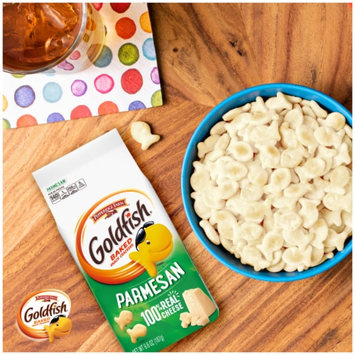 Goldfish® Parmesan Baked Snack Crackers Perspective: right