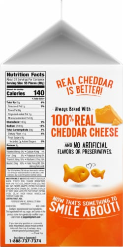 Goldfish Cheddar Baked Snack Crackers Perspective: right