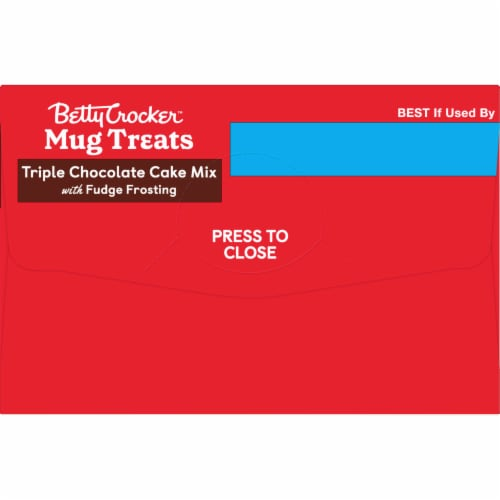Betty Crocker Triple Chocolate Cake Mug Treat Mix Pouches Perspective: right