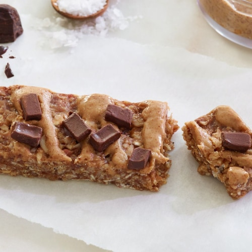 Kashi Vegan Chewy Granola Bars Salted Chocolate Chunk 5 Count Perspective: right