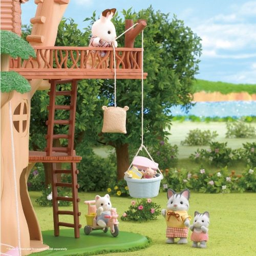 Calico Critters Adventure Treehouse Gift Set Perspective: right
