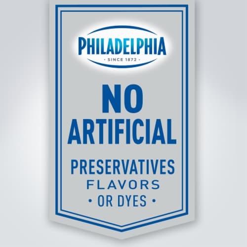 Philadelphia Chive & Onion Cream Cheese Spread Perspective: right
