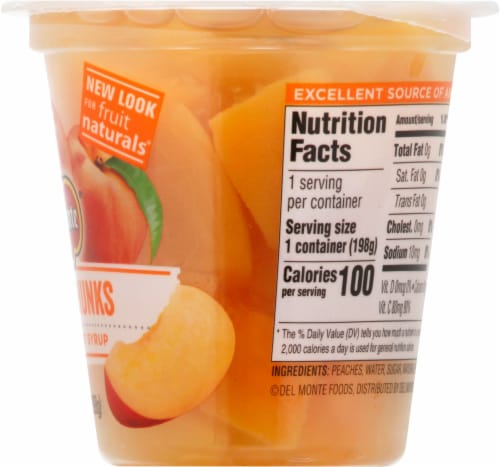 Del Monte Fruit Naturals Yellow Cling Peach Chunks Fruit Cup Perspective: right