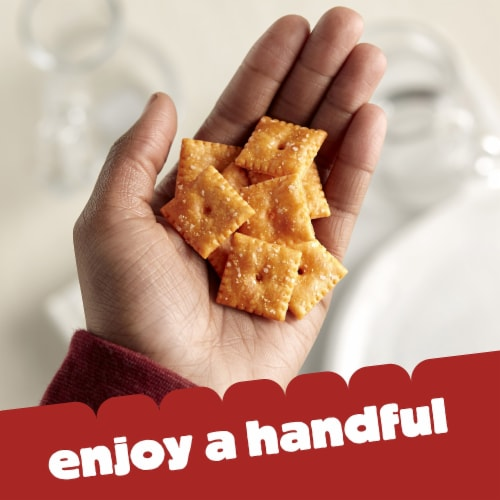 Cheez-It Baked Snack Cheese Crackers Original Family Size Perspective: right