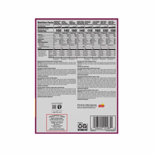 Frito-Lay Snacks & Chips Variety Pack Flavor Mix Perspective: right