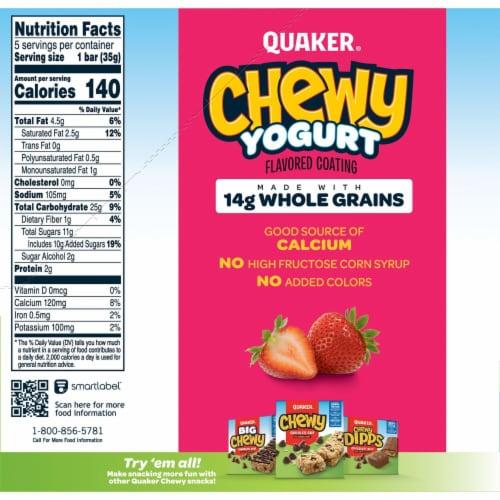 Quaker Yogurt Chewy Strawberry Granola Bars Perspective: right