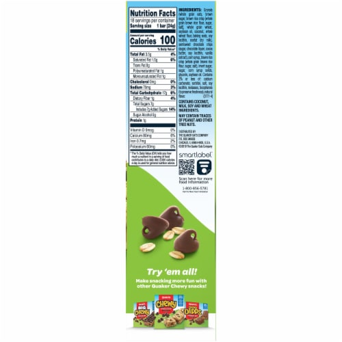 Quaker Chewy Chocolate Chip Granola Bars Value Pack Perspective: right