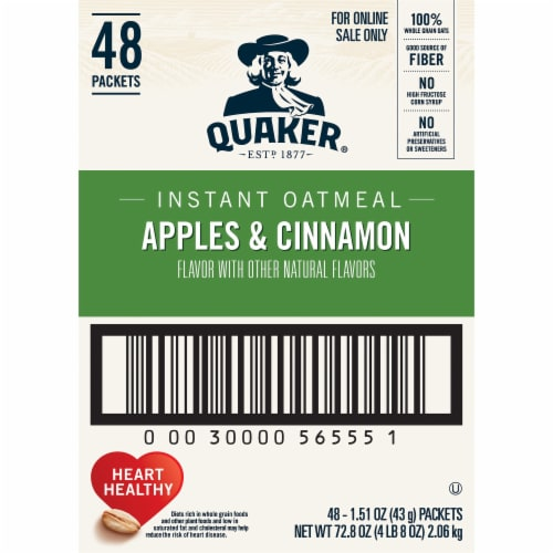 Quaker Apples & Cinnamon Flavored Instant Oatmeal Packets Perspective: right