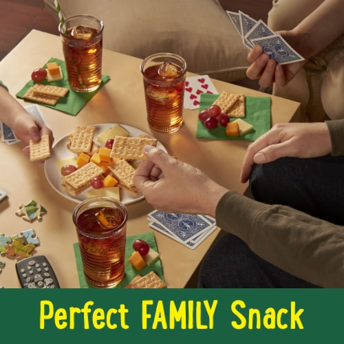 Club Crackers Multi-grain Perspective: right