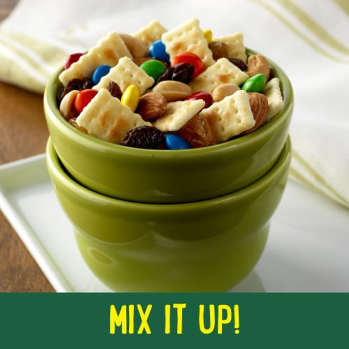 Club Minis Original Snack Crackers Perspective: right