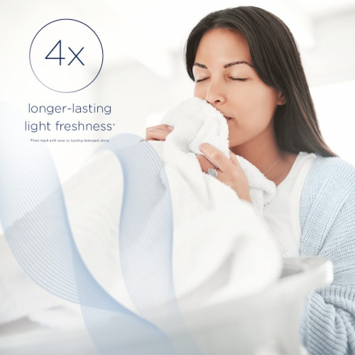 Downy Light Ocean Mist In-Wash Scent Booster Perspective: right