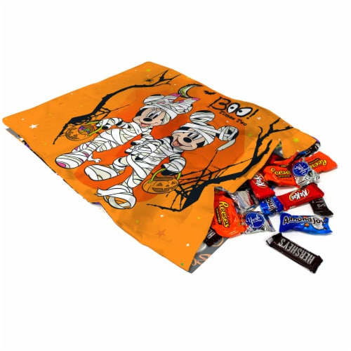 Jay Franco Mickey and Minnie Mouse Trick or Treat Pillowcase Perspective: right