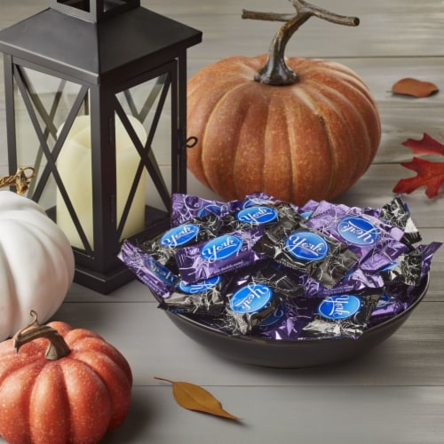 York Snack Size Peppermint Patties Halloween Candy Perspective: right