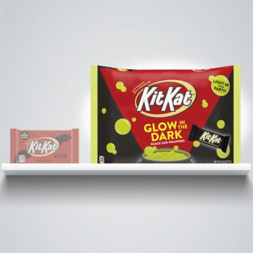 Kit Kat® Milk Chocolate Snack Size Halloween Crisp Wafers With Glow In The Dark Wrappers Perspective: right