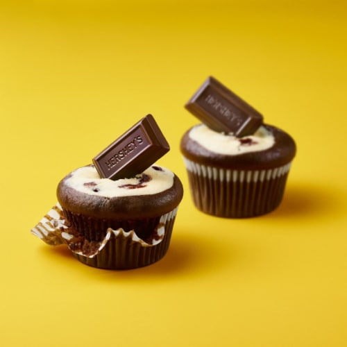 Hershey's Miniatures Special Dark Mildly Sweet Chocolate Candy Assortment Share Pack Perspective: right