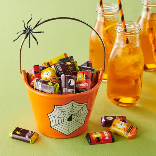 Hershey's Miniatures Halloween Candy Assortment Perspective: right